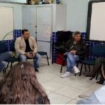 Na escola: Laydson conversa  com diretora e representantes do conselho comunitário de educação