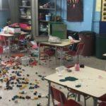 Oito das 20 salas da escola foram reviradas pelos vândalos (Foto: Cedida pela Prefeitura Municipal de Resende)
