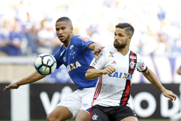 Tropeço: Mais criativo, Flamengo não soube criar condições para concluir as jogadas de modo eficiente (Foto: Staff Images / Flamengo)