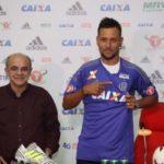 Para estrear: Tendência é a de que Diego Alves tenha condições de jogo no fim de semana (Foto: Gilvan de Souza/Flamengo)