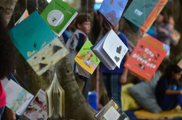 Como nos anos anteriores: As árvores serão habitadas por 'pés de livro' com atividades de mediação de leitura