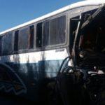 Motorista do ônibus morreu na hora; veículo tinha 29 passageiros (Foto: Cedida pela PRF)