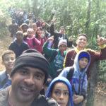 Na natureza selvagem: Estudantes de escola na Jaqueira foram até o Parque Nacional de Itatiaia para uma aula prática de Educação Ambiental (Foto: Divulgação)