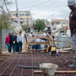 Visita: Acompanhado de Toninho Orestes, Samuca chega às obras da ponte (Foto: Gabriel Borges – SECOM PMVR)