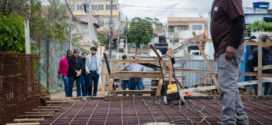 Samuca Silva visita obras da ponte sobre o Córrego Cafuá e anuncia entrega até dezembro