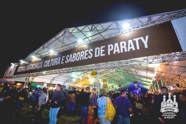 Calendário: Festival da Cachaça, Cultura e Sabores é um dos eventos mais tradicionais de Paraty e atrai um grande público (Foto: Divulgação)
