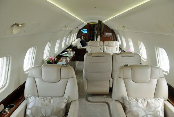 Sofisticado: A cabine do Legacy 650 tem assentos giratórios