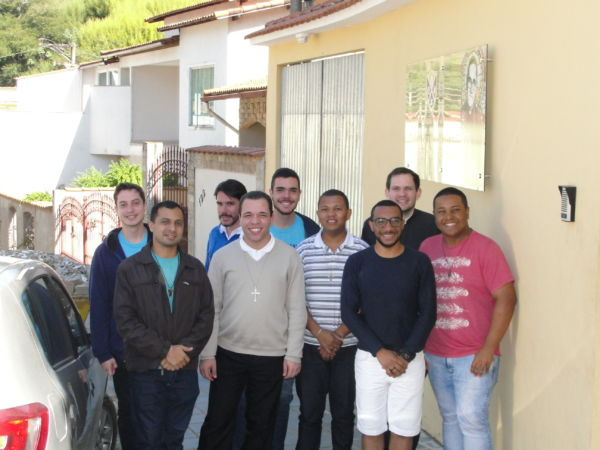 Aprendendo: Seminaristas se preparam para aplicar a vocação que motivou a busca pela ordenação (Foto: Júlio Amaral)