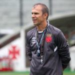 Milton Mendes pode fazer novas experiências no Vasco com entrada de Anderson Martins