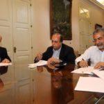 Pezão assina papelada para Bradesco administrar folha de pagamento do Estado