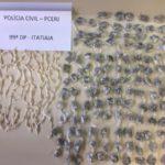 Drogas também foram apreendidas durante operação em Penedo (foto: Cedida pela Polícia Civil)