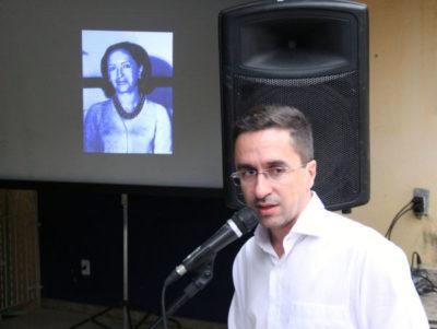 Emoção: Ednardo fala durante homenagem feita à sua avó