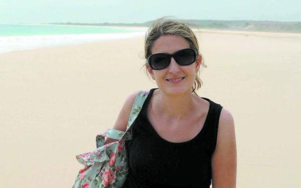 Eloise Dixon, de 46 anos, baleada no último domingo ao entrar por engano em comunidade de Angra dos Reis (Foto: Reprodução Facebook)