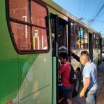 Primeiro dia de mudança: Ônibus circularam dentro do novo itinerário no trânsito de Quatis (Foto: Divulgação/Ascom PMQ)