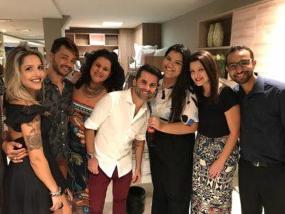 O arquiteto Zadi Ângelo entre Aline Abreu, Wesley, Ana Karla, Laila França, Ana Cláudia e Irvem