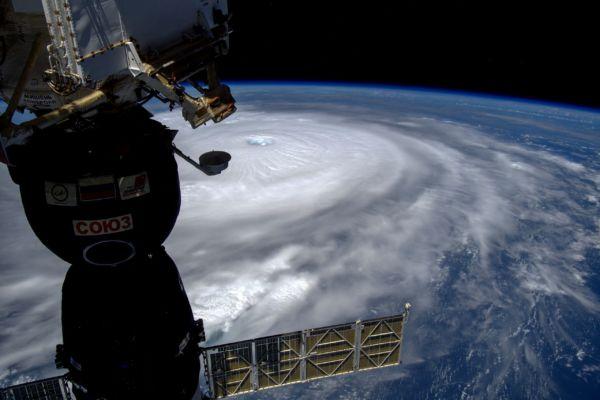 Vista: O Irma foi fotografado da estação espacial