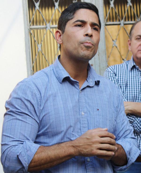 Processo: Mario Esteves vai discutir cobranças na esfera judicial