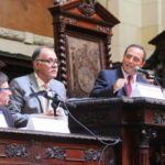 O presidente da Frente Parlamentar em Apoio à Indústria Naval e Offshore, deputado Waldeck Carneiro (PT); à esquerda os deputados Nivaldo Mulin (PR) e Paulo Ramos (PSol)
