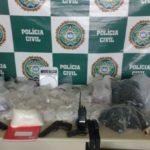 Cocaína e armas foram apreendidas durante operação em Angra dos Reis