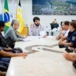 Conversa: Samuca recebe representantes da Guarda Municipal em seu gabinete (Foto: Gabriel Borges – Secom VR)