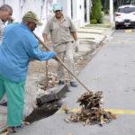 Prevenção: Prefeitura está fazendo de limpeza de bueiros em diversos pontos da cidade (Foto: Geraldo Gonçalves/Secom)