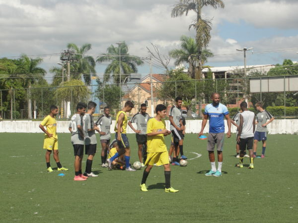 Seriedade no esporte: Projeto já formou jogadores de renome que se tornaram profissionais (Foto: Júlio Amaral)