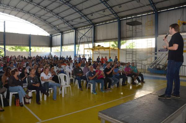 Falando sobre política: Encontro aconteceu na manhã deste sábado no ginásio do Colégio ICT, em Volta Redonda (Foto: Divulgação)