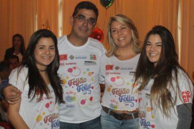 Os empresários José Antônio Siqueira Campos e Priscilla Pina Siqueira Campos entre as filhas Fernanda Pina Siqueira Campos e Flávia Pina Siqueira, estarão presentes no BACA FEST