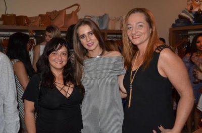 Bianca Vilela com as arquitetas Geisa Soares e Raquel Abreu