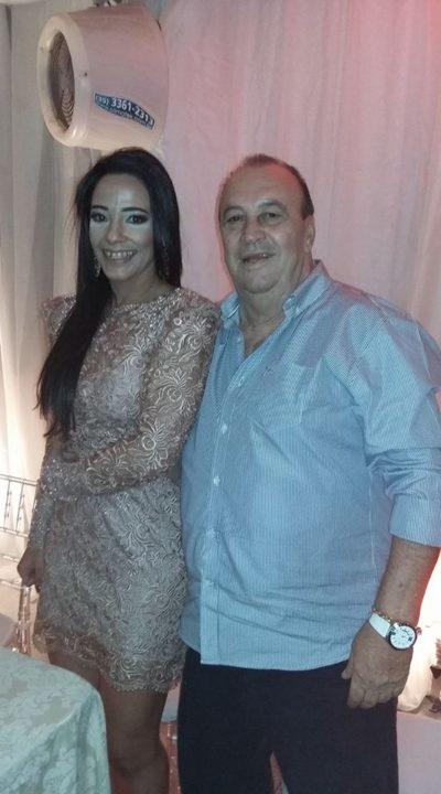 Maurício Monteiro da Silva (aniversariante do dia) com sua amada Carla Passos Duarte
