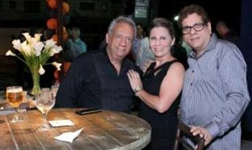 Este colunista, a cerimonialista Claudia Cassaro e Jefte Castro