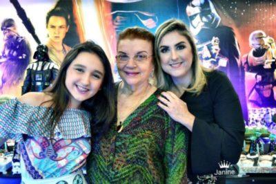 Adalgisa Cardoso (aniversariante do dia) com a neta Ana Clara Cardoso e a nora, Ana Vitória Savelli Cardoso