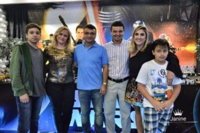 Matheus Cardoso, Marlene Frauches Cardoso, os empresários Luiz Fernando Cardoso e Julio Cardoso, Ana Vitória e Lucas Cardoso