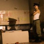 Batalhão de Infantaria Blindada: Pesquisa dramatúrgica do 'Nasce uma Cidade - Operação Cascas' vem dos relatos que marcaram o espaço ocupado pelo Coletivo Sala Preta desde 2010 (Foto: Luisa Ritter)