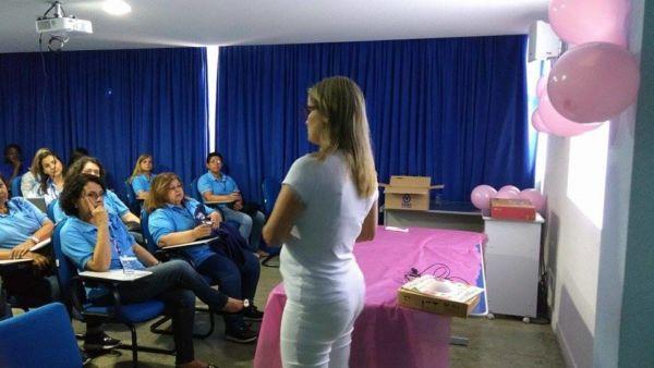 Cuidados: Servidoras participam de palestra que alerta para a necessidade de exames de prevenção (Foto: Divulgação)