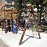 Espaço: Novos bancos e pisos foram implantados, além de iluminação renovada, plantio de árvores e espaço para as crianças (Foto: Paulo Dimas)