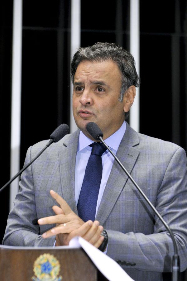 Decisão: Com 44 votos a 26, Aécio poderá retomar as atividades parlamentares