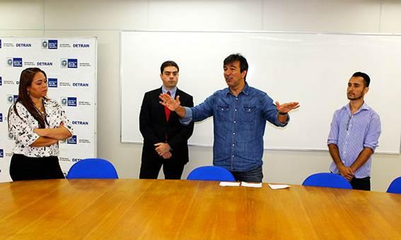 Projeto: Apresentação foi feita em uma palestra magna dada pelo presidente do departamento, Vinicius Farah, e pelo secretário Átila Alexandre Nunes (Foto: Sebastião Gomes/Detran)