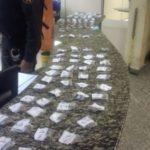 Maconha, cocaína e crack foram apreendidos com adolescente no bairro Baixada Olaria, em Resende (Foto: Cedida pela Polícia Militar)