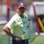 Dúvida: Reinaldo Rueda ainda não sabe quem escalar o ataque do Flamengo: Guerrero ou Vizeu (Foto: Gilvan Souza/Flamengo.com.br)