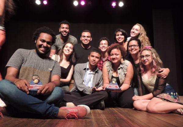 Parceria: Alguns integrantes do Coletivo Athos (Foto: Laís Ribeiro)