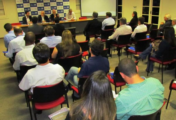 Entrega: Cerimônia de premiação foi realizada na sede da Representação Regional da Firjan no Sul Fluminense, em Volta Redonda (Foto: Brunna Monteiro)