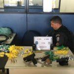 Armas, drogas e munições foram apreendidas em operação da PM no Sapinhatuba I (Foto: Cedida pela PM)