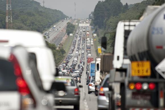 O parcelamento poderá englobar uma ou mais multas de trânsito (Arquivo/Marcelo Camargo/Agência Brasil)