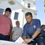 Compromisso firmado: Rodrigo Drable (PMDB) assinou na manhã de ontem, a ordem de serviço para a revitalização da Praça Ponce de Leon (Foto: Paulo Dimas/Ascom PMBM)