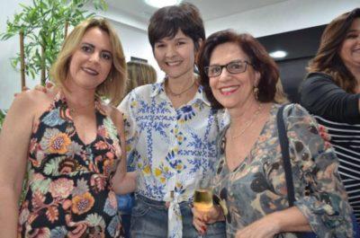 Adriane Reis Machado com a médica Lucília Meduna e a dentista Maria Inês Procaci