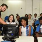 Jovens têm a oportunidade de aprender novos ofícios que ajudam a ingressar no mercado