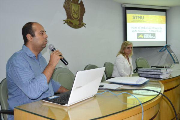No auditório: Secretário de Transporte e Mobilidade Urbana, Wellington Silva, fez um balanço dos encontros (Foto: Evandro Freitas/Secom)