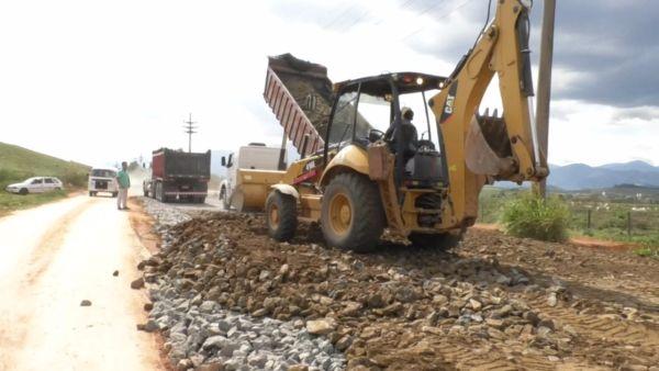Obra: Estrada dará melhor acesso a Bulhões e rota alternativa ao polo industrial e ao município de Porto Real (Foto: Divulgação/Ascom PMR)