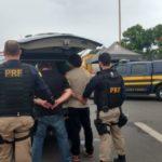 Presos: Homens suspeitos de furto foram apreendidos durante operação da Polícia Rodoviária Federal (Foto: Cedida pela PRF)